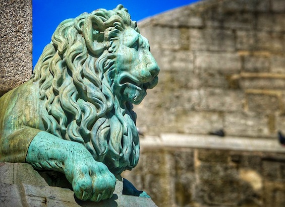 "An example of the original blog posts that captivated the baby boomers audience from the start: ""This lion has been guarding the center of Arles, France for centuries. Come read his story  here …"""