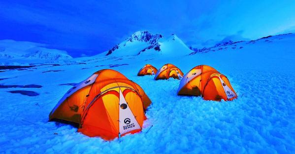 antarctica-camping-tent