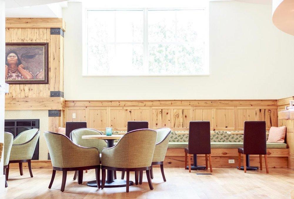 lobby-lounge-dining-fireplace-1080x730.jpg