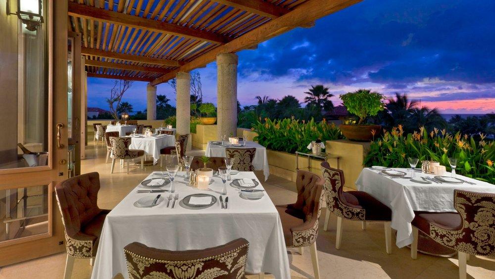 St.Regis-Punta-Mita-Carolina-Restaurant.jpg