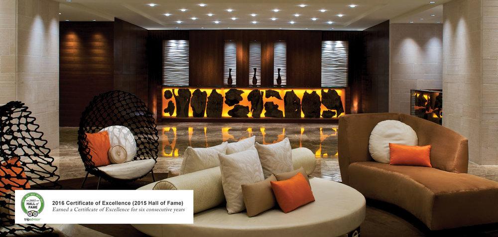 rooms_thereefatlantis_lobby_award2016.jpg