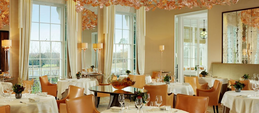 ascot-coworth-park-restaurant-coworth-park-room2400x1350-1920x840.jpg