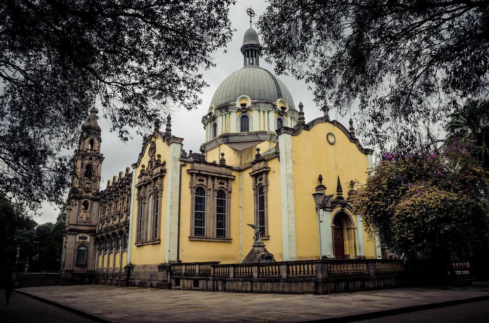 Church_of_Holy_Trinity_Ethiopia.jpg