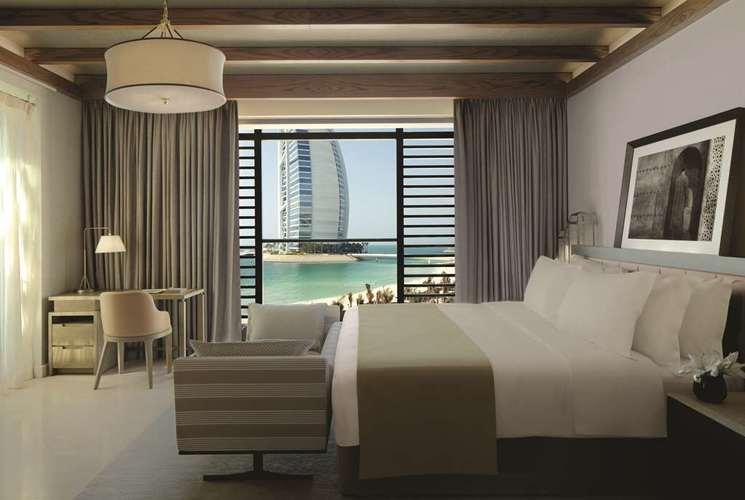 jumeirah-al-naseem-ocean-terrace-suite02.jpg