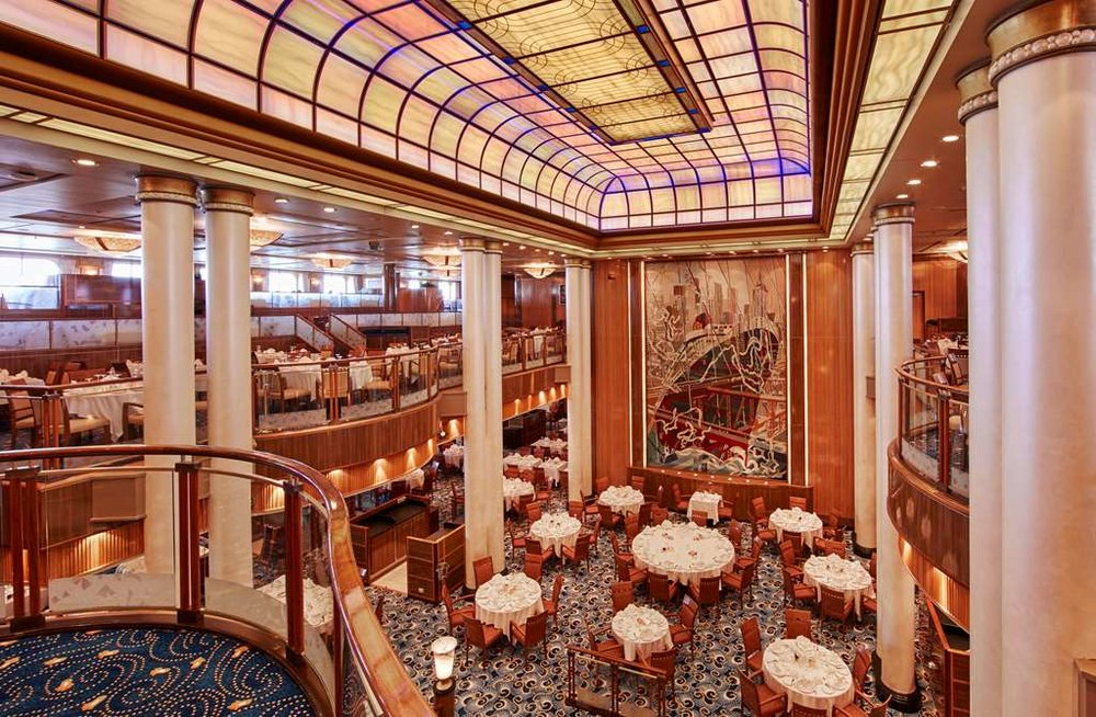 Queen Mary 2 Britannia Restaurant.jpg