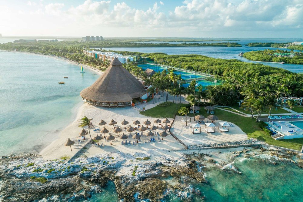 Cancun Yucatan, Mexico - Bring home togetherness: Take family time to a whole new level at our Aguamarina Family Oasis, plus enjoy endless activities designed to delight your #AmazingFamily!