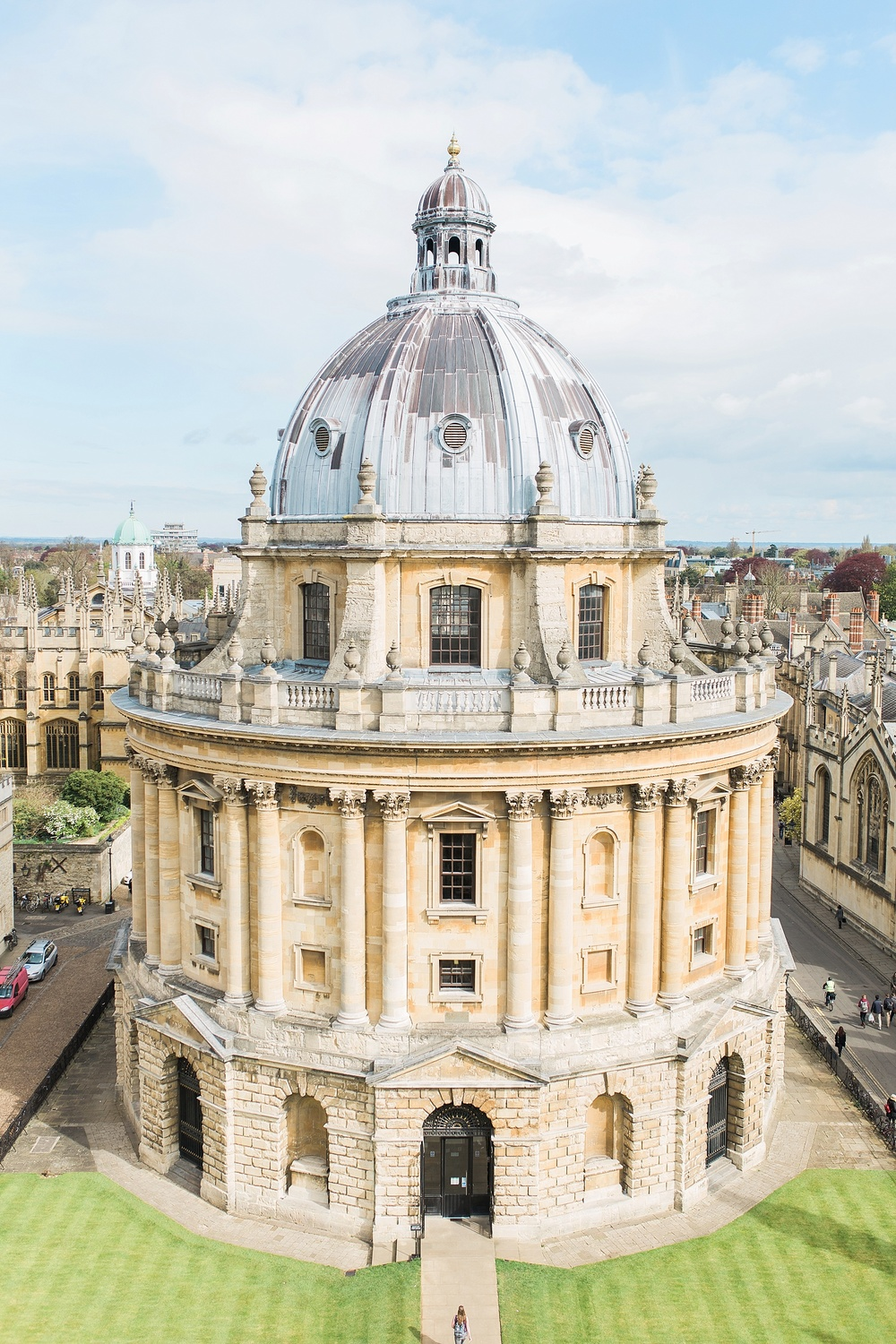 We went to the top of the tower at the University Church to get a view of the city and it was totally worth it! I love this shot of the Bodleian Library!