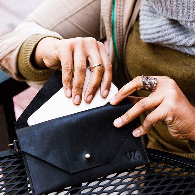Flip open the top flap on our leather women's wallet to find a pocket perfect for easily sliding your phone into and out of without having to worry about anything else falling out. Then open the second flap to find a bill slot, a receipt slot, and credit card slots.  Functional • Minimal • Ethical • what more could you want?😍