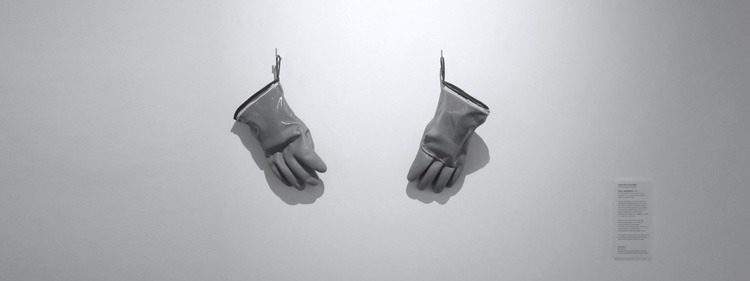 CSOxCYBERARTS_header_05_stillgloves.jpg