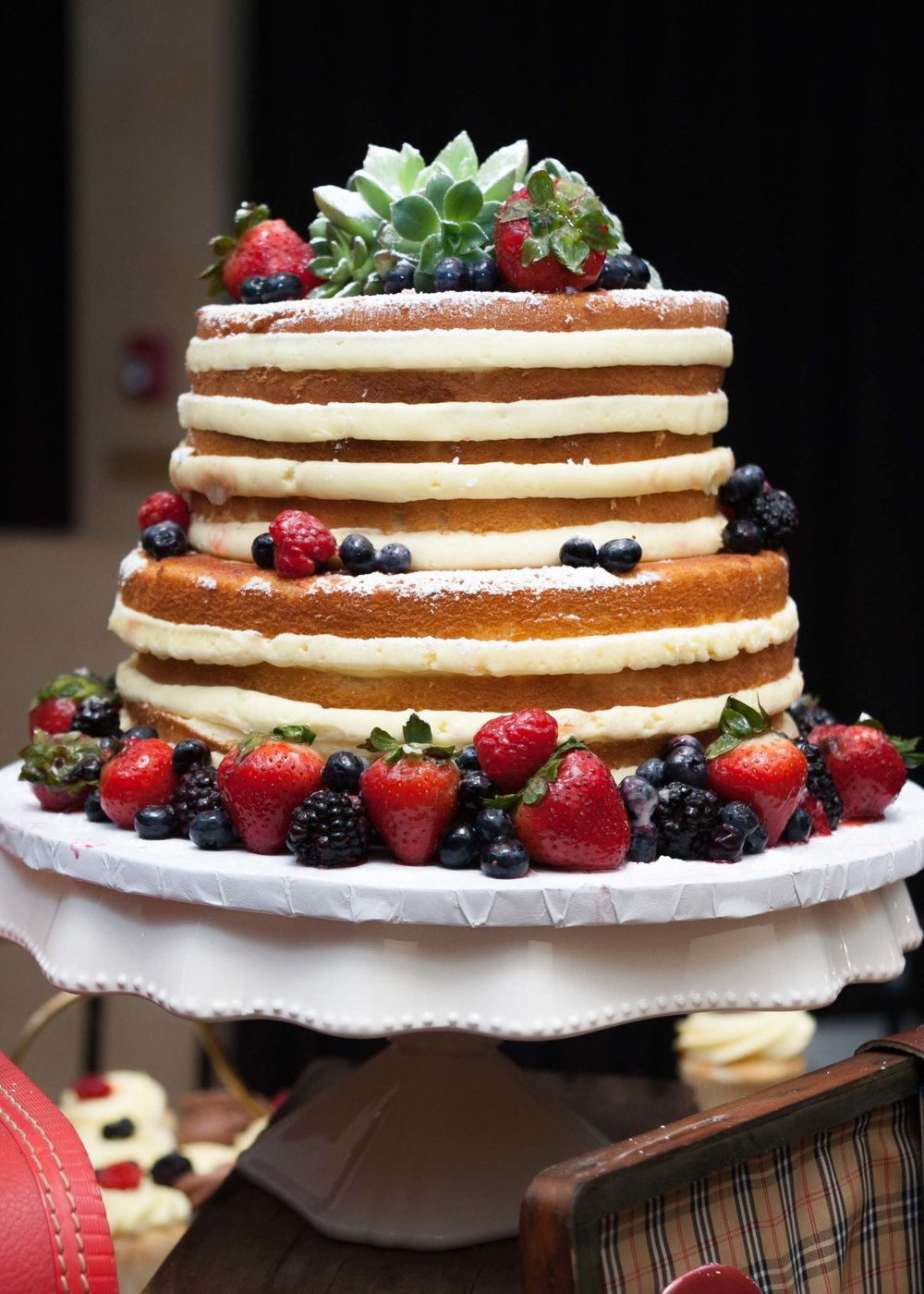wedding cake naked (1 of 1).jpg