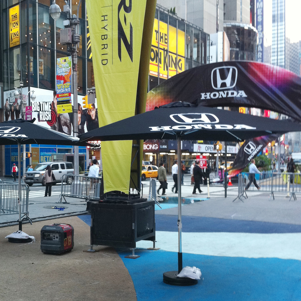 Thumbnail_Honda Times Sq Event Umbrella.jpg