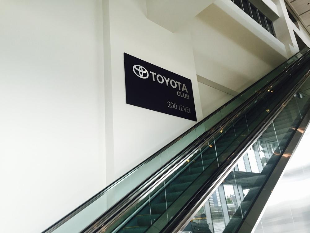 a2 large escalator.jpg