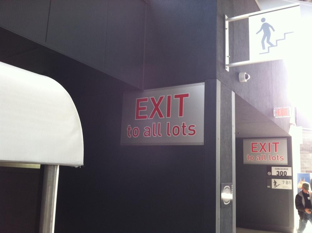 300 concourse exit signs.JPG