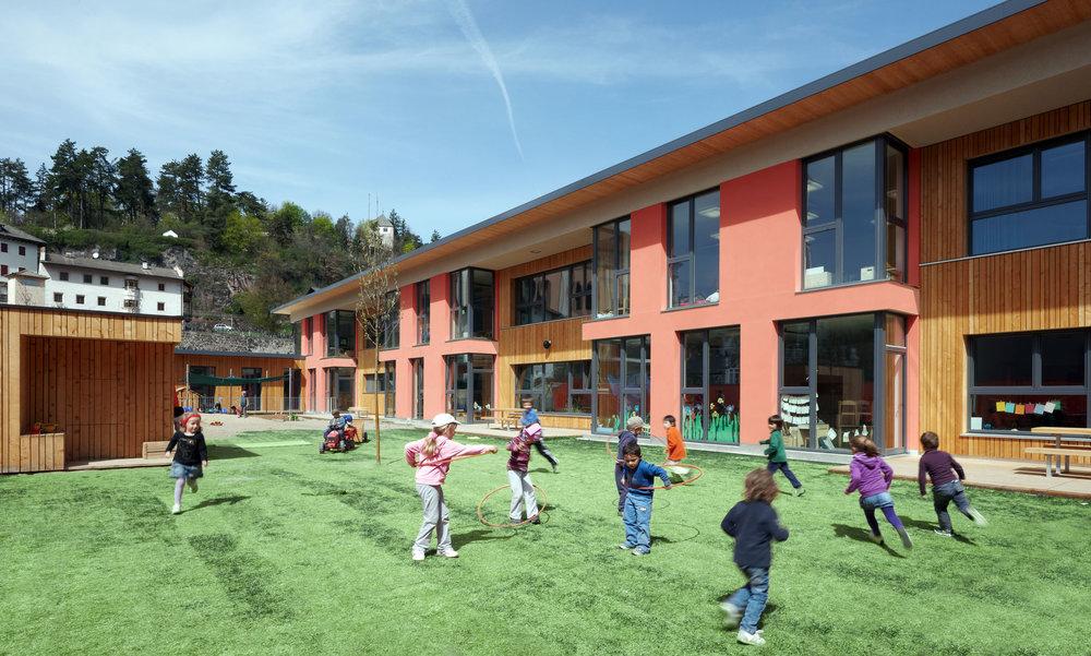 Kindergarten-Kastelruth-Spielplatz.jpg