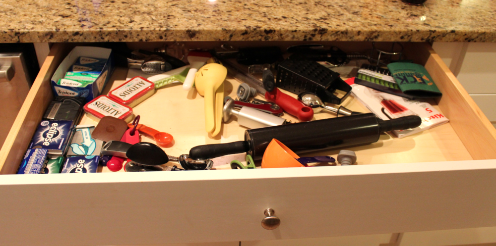 The client had items in the drawer that weren't used, and the items needed were hard to find when all jumbled together.