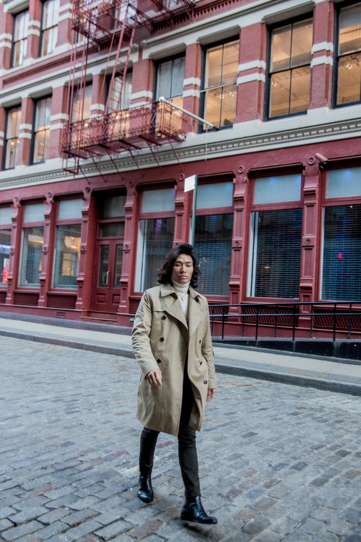 Get The Look: - Jacket: H&MSuit: H&MTurtleneck: UniqloNecklace: MARTINE ALI StudioShoes: Aldo