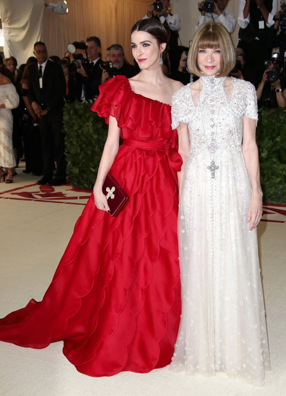 Anna Wintour In custom Chanel and daughter, Bee Shaffer, in Valentino haute couture gown by Pierpaolo Piccioli