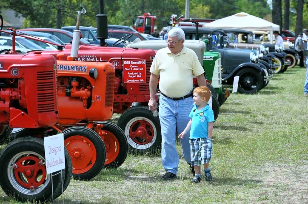 web Used Tractor Show 1818.jpg