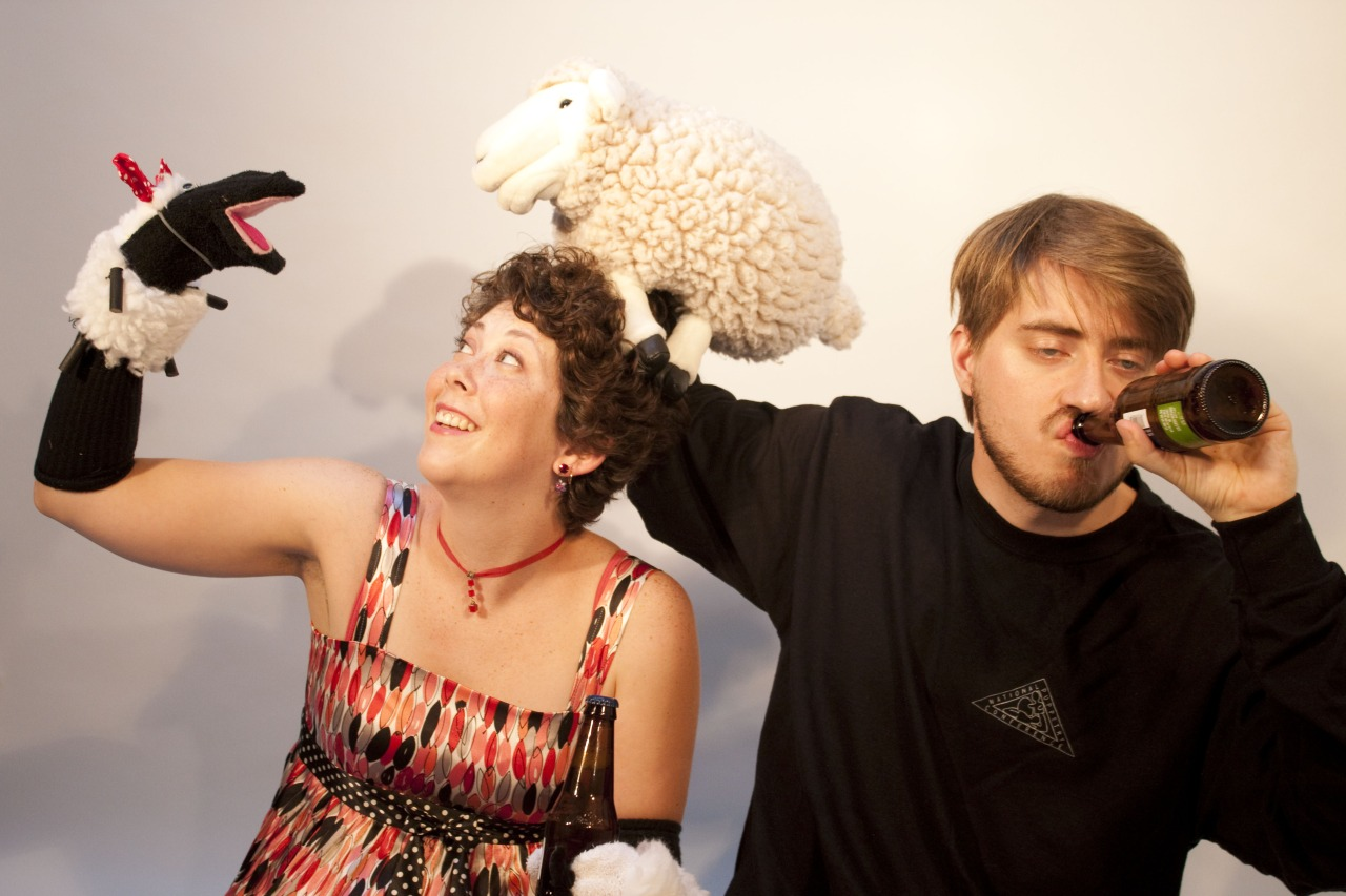 It's World Puppetry Day today!  If you're a puppeteer/pupper lover and in Portland tonight, come on out to our  Puppeteer Happy Hour ! Where: The Standard 14 NE 22nd Ave.   When: 6 -9pm TONIGHT Friday March 21   *Image above shows Aaron Lathrop and Gina Leigh.  They have not confirmed attendance at this Happy Hour.