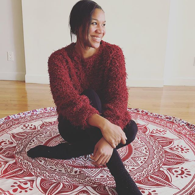 The journey to happiness starts with one step. And in that step you'll find happiness there. Gorgeous mat by @spiritual__warrior. 📷 by @jovan.nyc #ithinkconfucioussaidthat #orwasitnietzsche #quotes  #smiles #happiness #lovemylife #goodthingshappen #always #love #ownyourpower