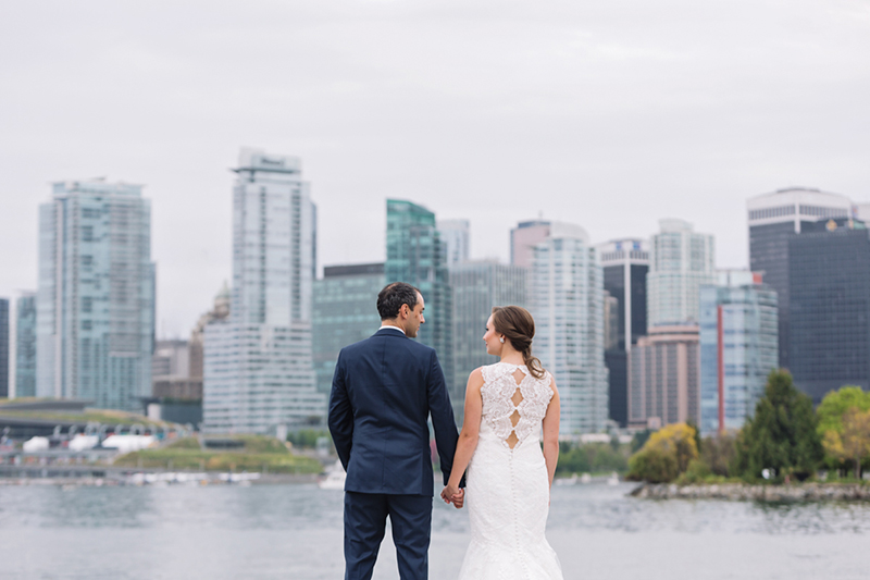Vancouver Skyline, portrait of bride and groom