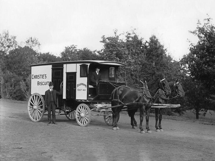 Charrette_biscuits_Christie_Montreal_1904.jpg