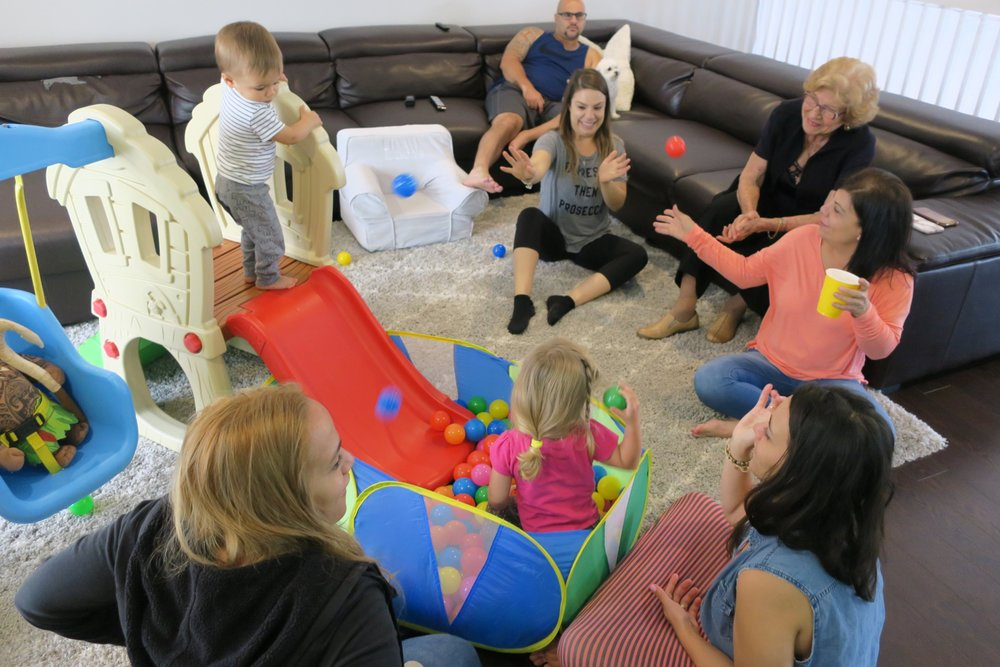 Houses in the suburbs have slides INSIDE! We loved playing with all the cousins.