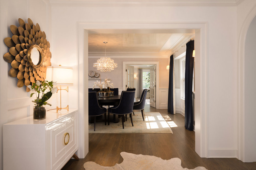 HALWAY_TO_DINING-ROOM.jpg
