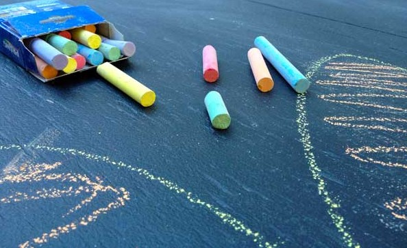 chalkboard-paint-chalk-colors