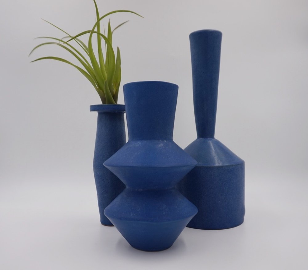Mantel Blue Ceramics.jpeg