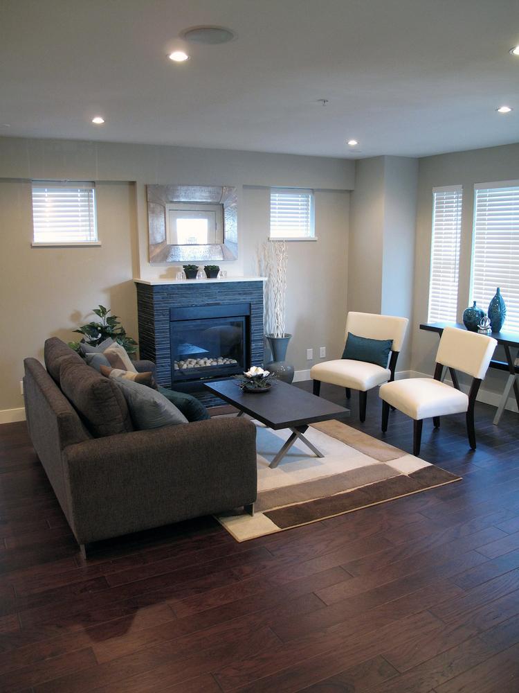 03.Custom+Home+-Living+Room+2.jpg