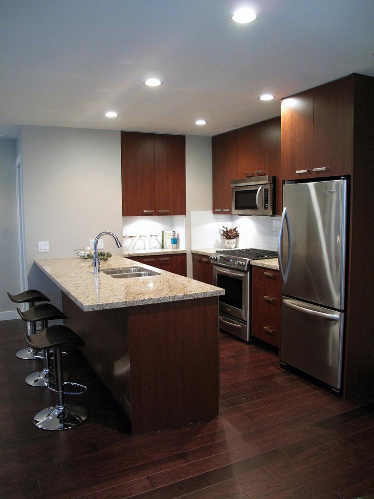 07.Custom+Home+-+Kitchen+3.jpg