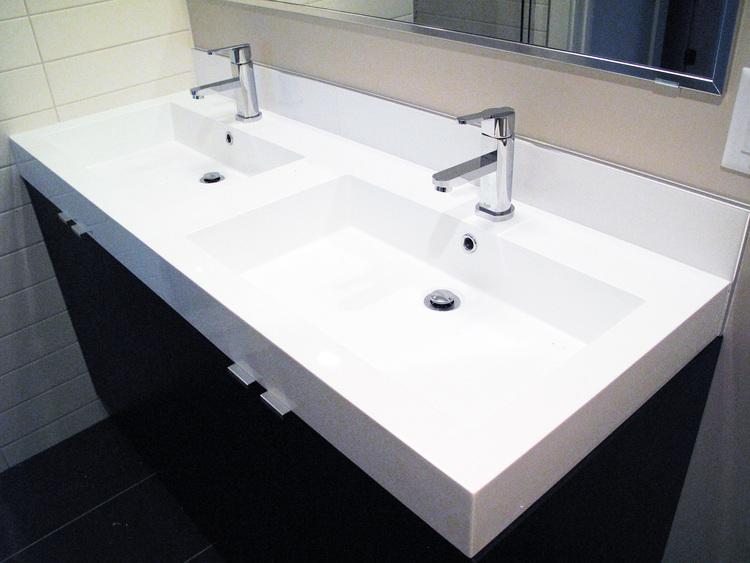 12.Custom+Home+-+Master+En+Suite+Sink.jpg