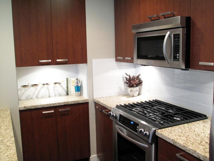 14.Custom+Home+-+Kitchen+6.jpg