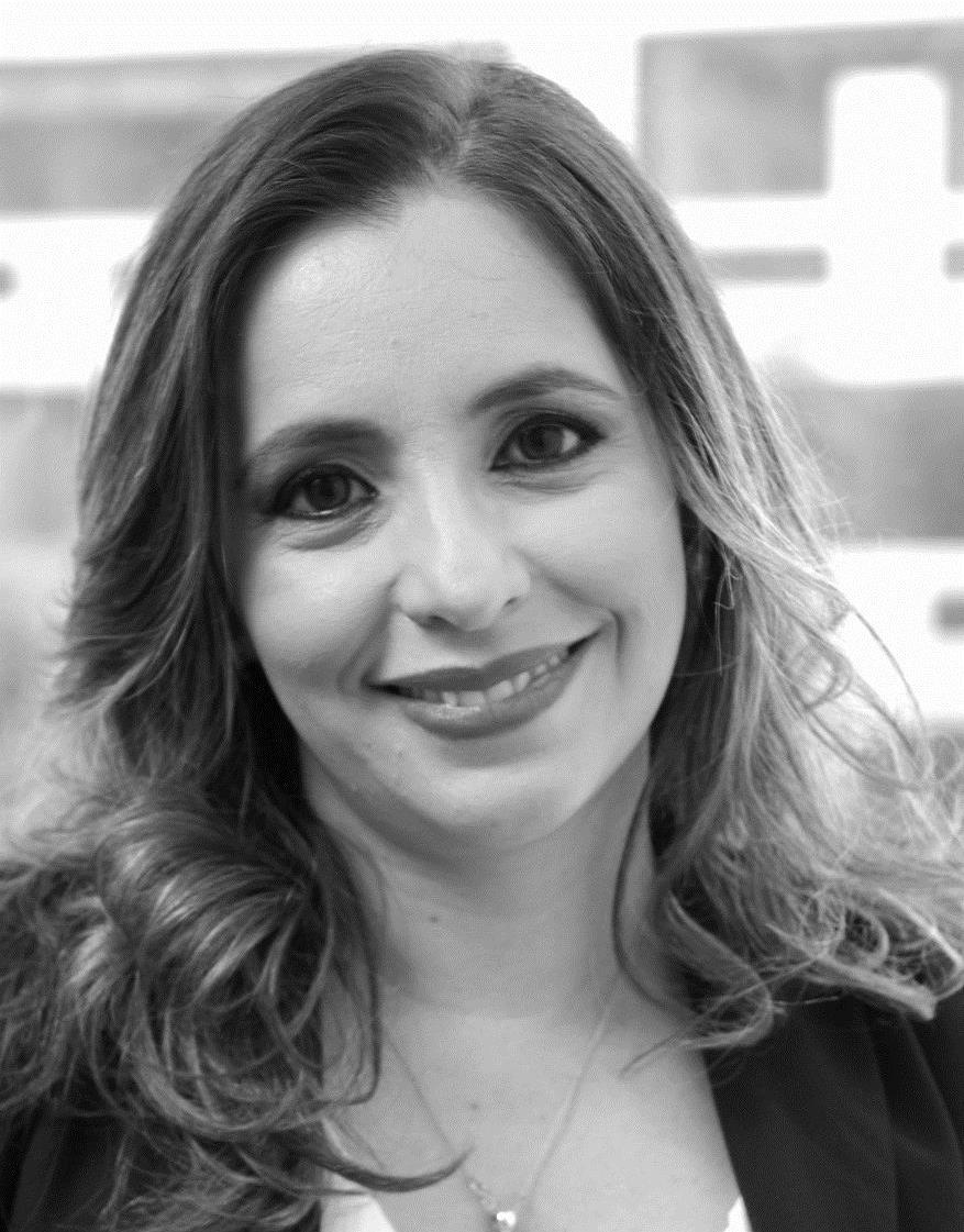 Eva Cacacho