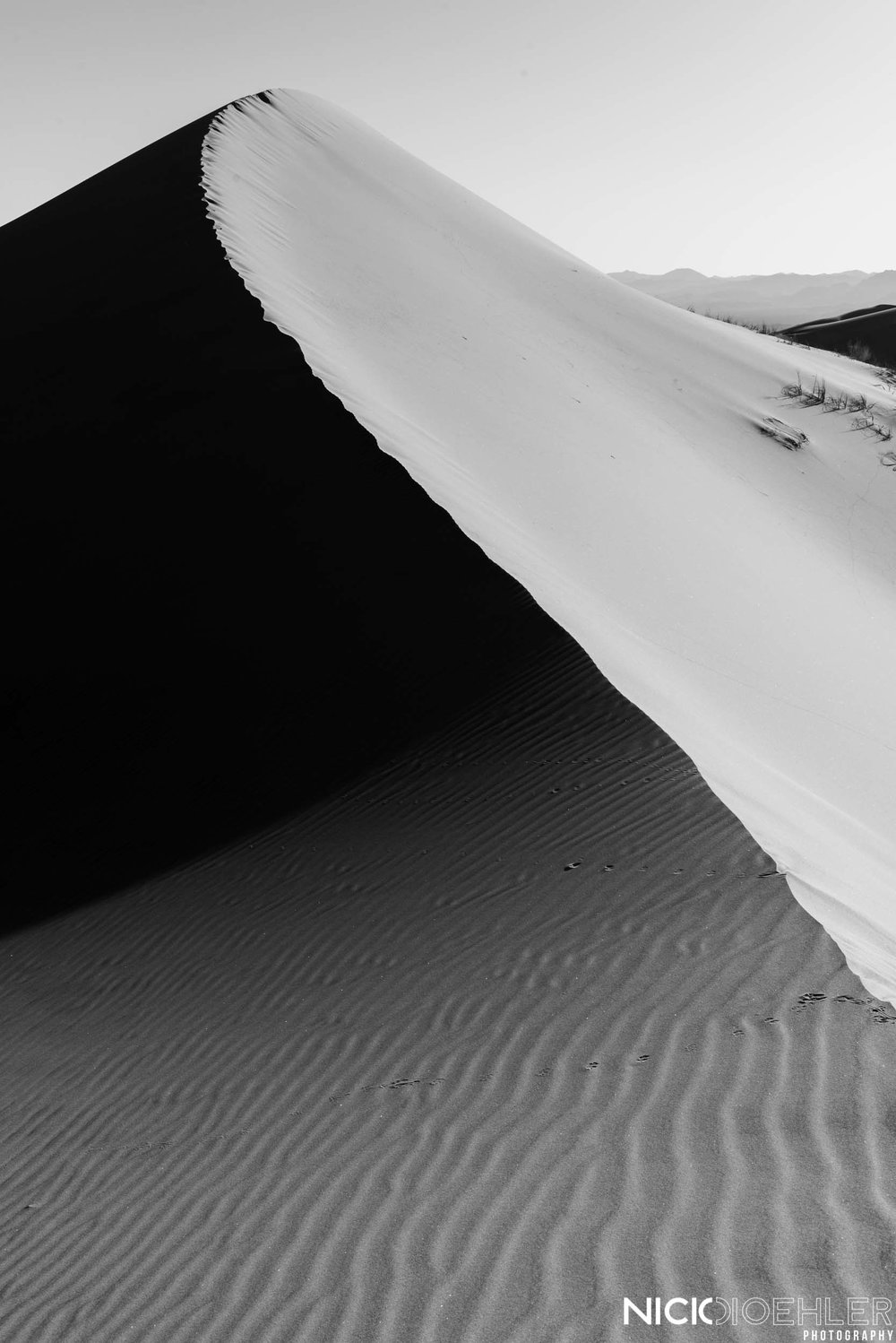 Mojave National Preserve: A beautiful sand dune being touch by the morning light.
