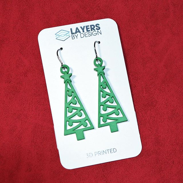 Tomorrow is the day! 🛒💎❄️ Come see Layers By Design at Northrop High school's Annual Craft Bazaar from 9am to 3pm in #fortwayne #indiana #craftbazaar #craftshow #shoppingtime #christmaslist