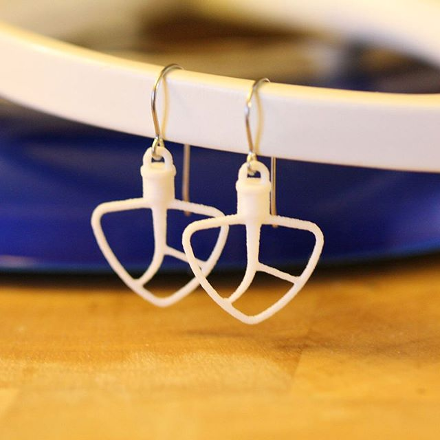 What are you #mixing up this weekend?  Order #3dprinted paddle/#beater earrings on #etsyshop for a #kitchenparty, your favorite #baker, or for your own #baking days. https://etsy.me/2K0B1aV