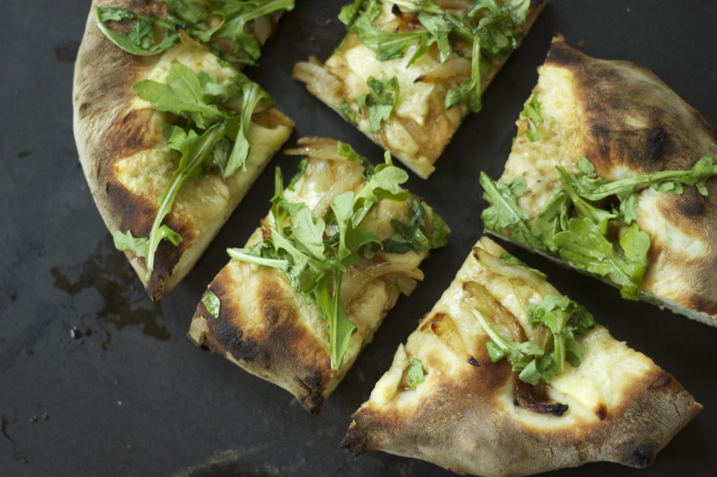 arugula pizza with a splash
