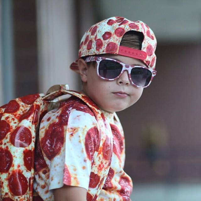 Beloved made this pizza outfit and Reddit made this kid an internet star.