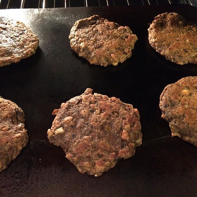Vegan. Burgers. Steel. Yum. Thanks  @ppiikknniikk .