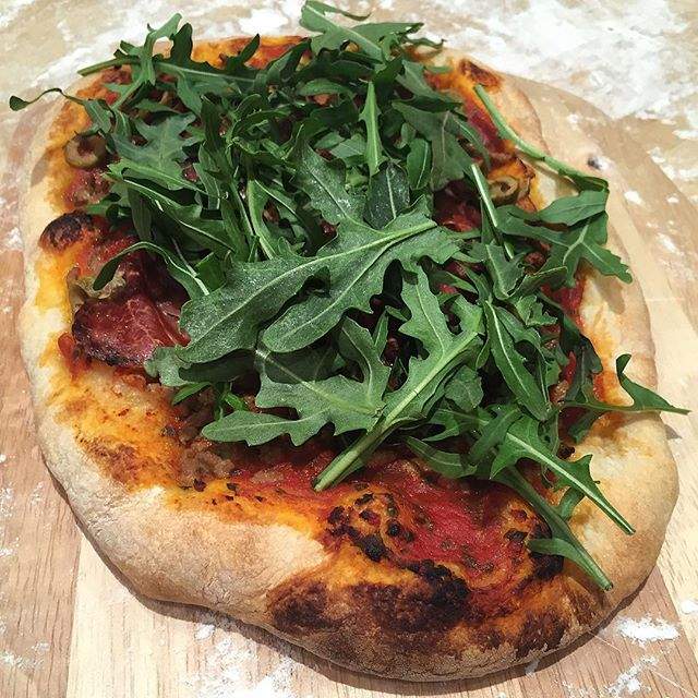 @richitalian  threw some beautiful arugula on top of his sausage pie.