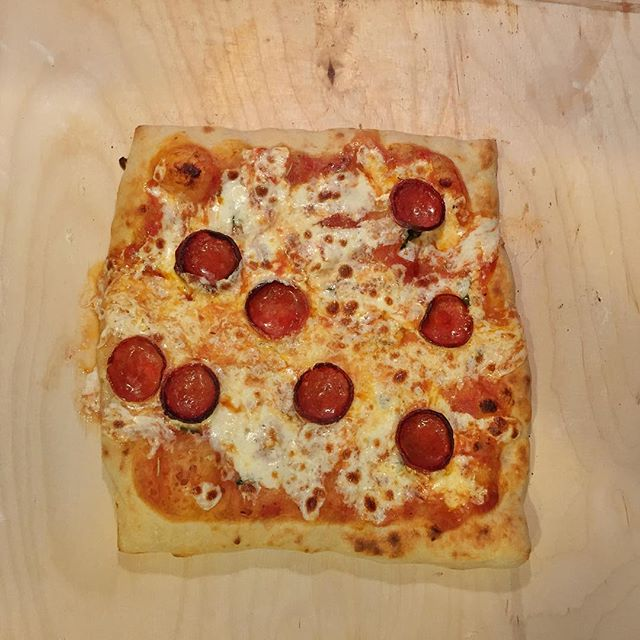 @marksmakepizza  squared things up this week with his pepperoni pie.
