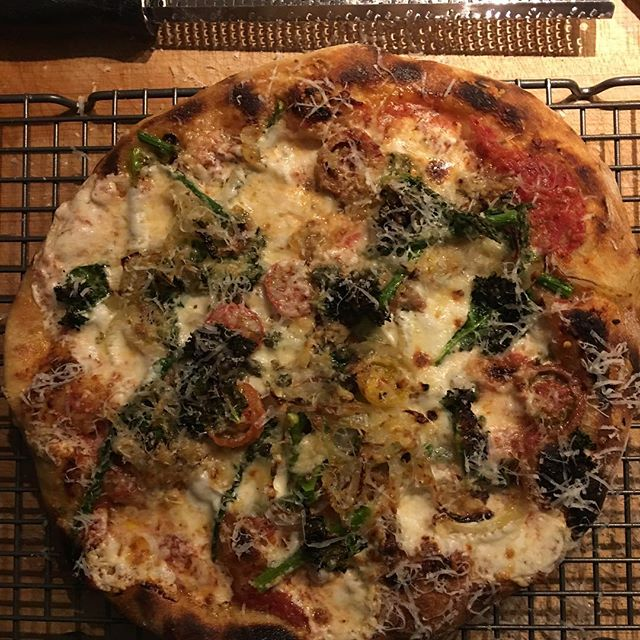 @joelhol  couldn't stop making pizzas on his steel. Then again, who would.