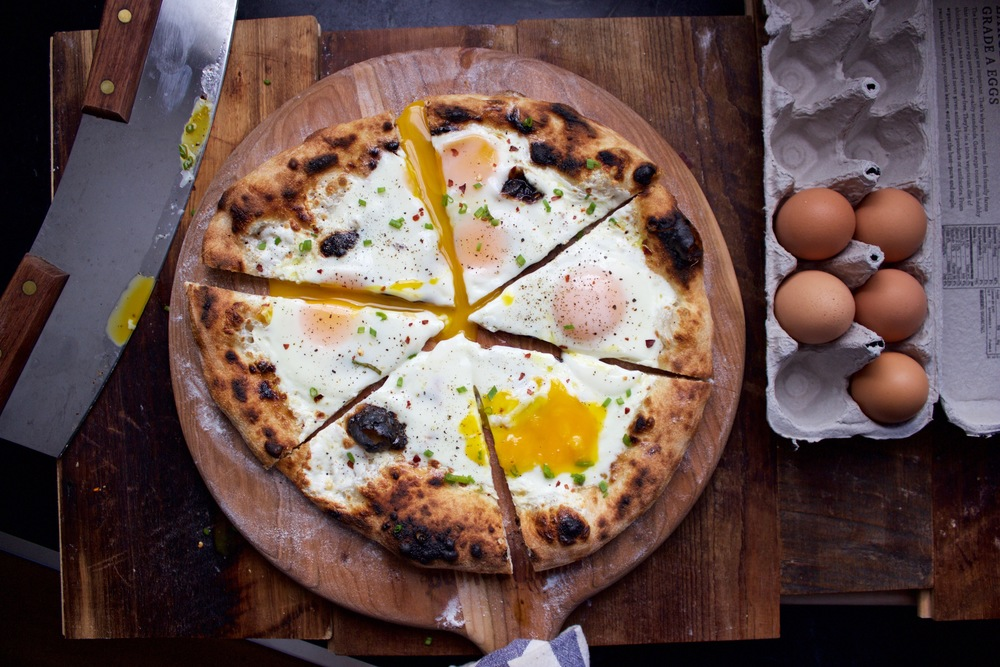 Breakfast Pizza with 5 Eggs