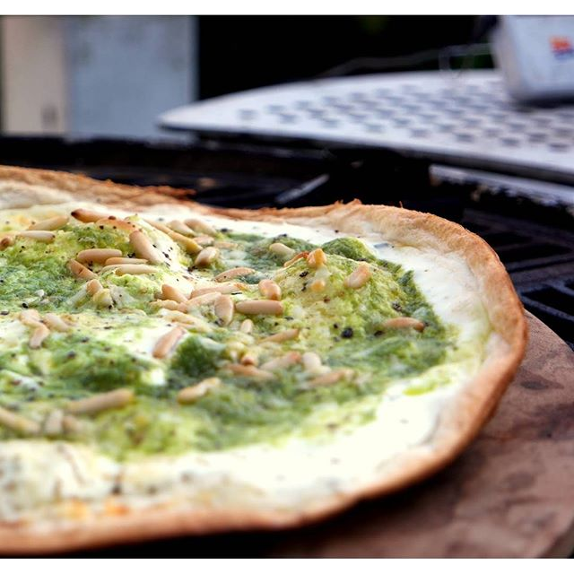 @chefdecambuse  love the thin crust!