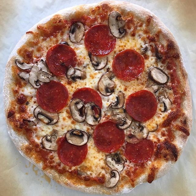 @huyener  Pepperoni and mushrooms? A great combination!