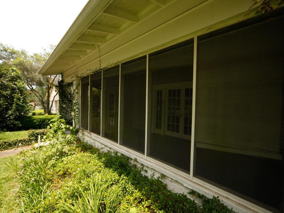 BP_HHMTN103H_home-exterior_porch_BEFORE_235487_842275.1384700.jpg.rend.hgtvcom.966.725.jpeg