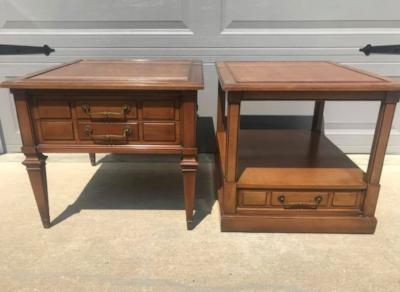 Pair Hekman vintage end tables $75