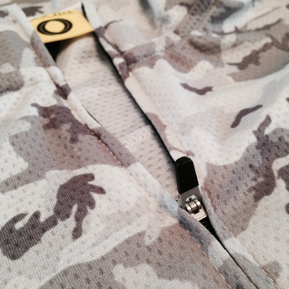 The Pedla RideCamo zipper detail